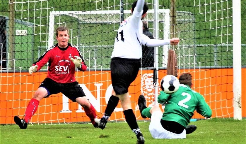 Björn Henrichs de voetbalkeeper (foto: AW).