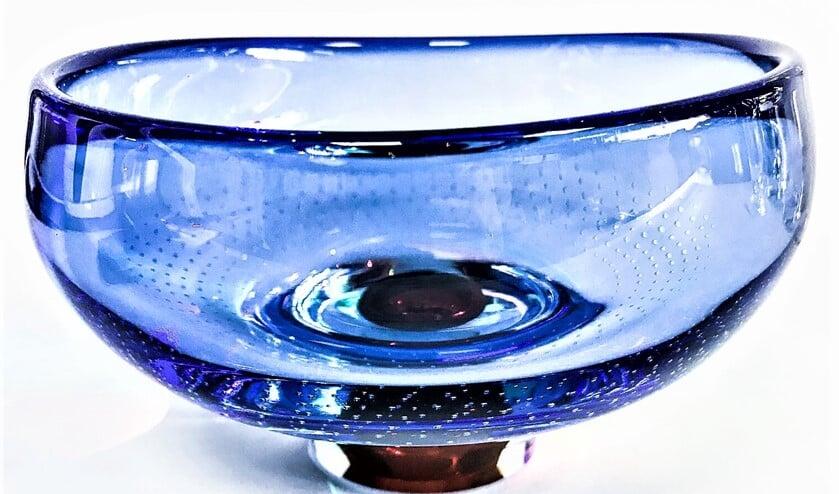 <p>Een glazen object uit de collectie van de Voorburgse glaskunstenaar Meng Hou Chen (foto: pr).&nbsp;</p>