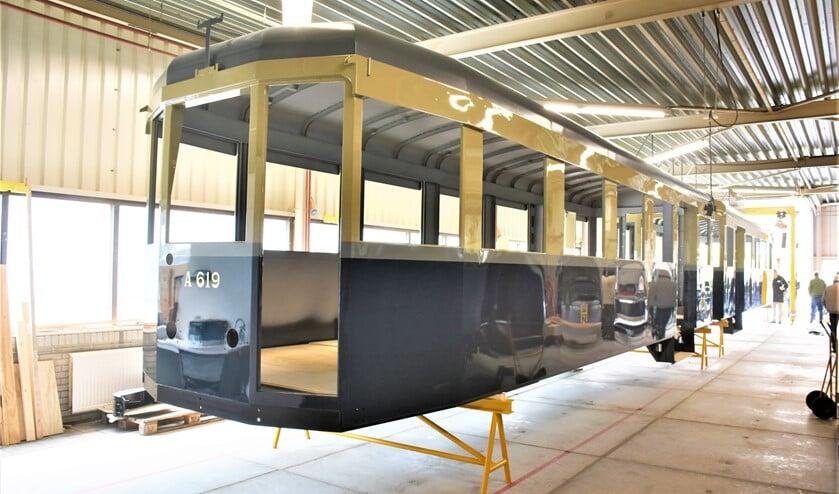 <p>Het rijtuig van De Blauwe Tram is gereed om te worden gereconstrueerd (foto SDNBT).</p>