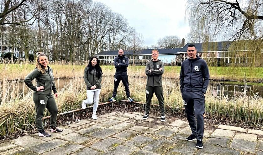 <p>De jongerenwerkers van SenW die zich onder meer met BASI bezighouden in Leidschendam-Voorburg (foto: pr SenW).</p>