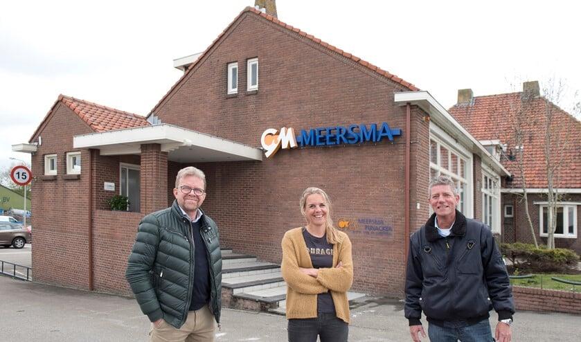 <p>Paul Keller, Nancy van Zon en Ingmar van der Neut bij het &lsquo;oude, nieuwe kantoor&rsquo; van Meersma Holding BV. (foto: Cok van den Berg)</p>