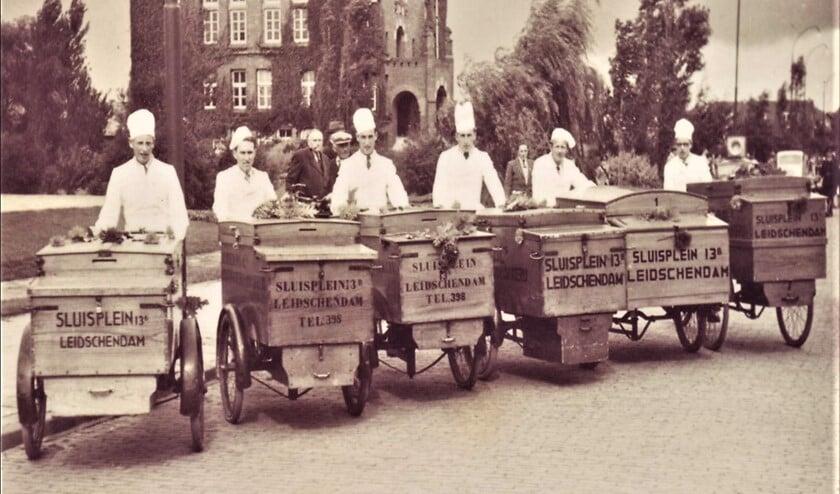 <p>Aanvankelijk draaide Bakkerij Remmerswaal op de verkoop door broodventers: nu wordt behalve &nbsp;aan de eigen winkels volop geleverd aan verzorgings- en ziekenhuizen, catering en horeca (foto: priv&eacute; archief).</p>