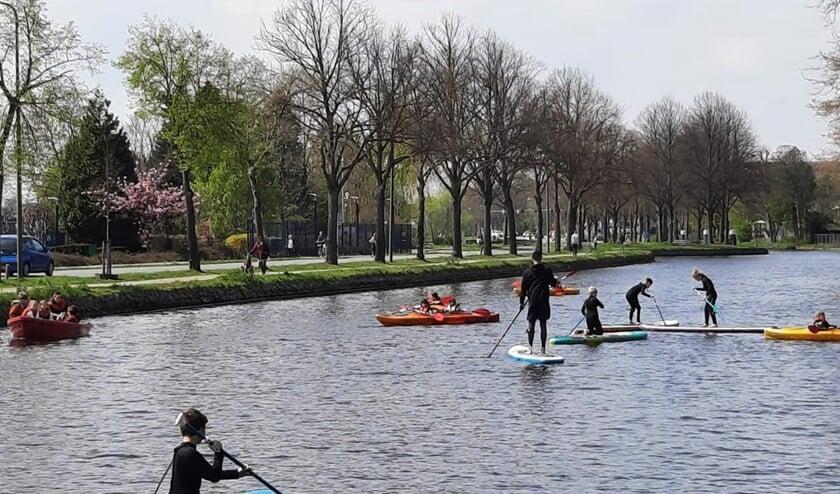 <p>Waterspektakel op de Vliet (foto&#39;s van SenW).</p>