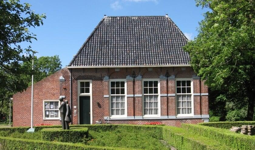 <p>Inwoners van Wateringen verzetten zich met een petitie tegen de mogelijke verkoop van de Hofboerderij. Foto: (PR)</p>