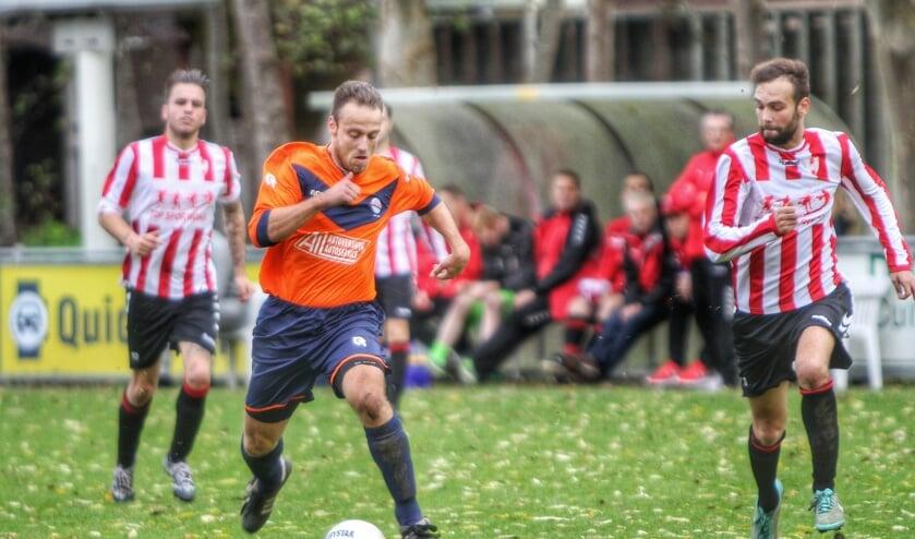 Simonshaven en Hekelingen kwamen zaterdag tot een 0-1 zege voor de gasten. Fotografie: Peter de Jong