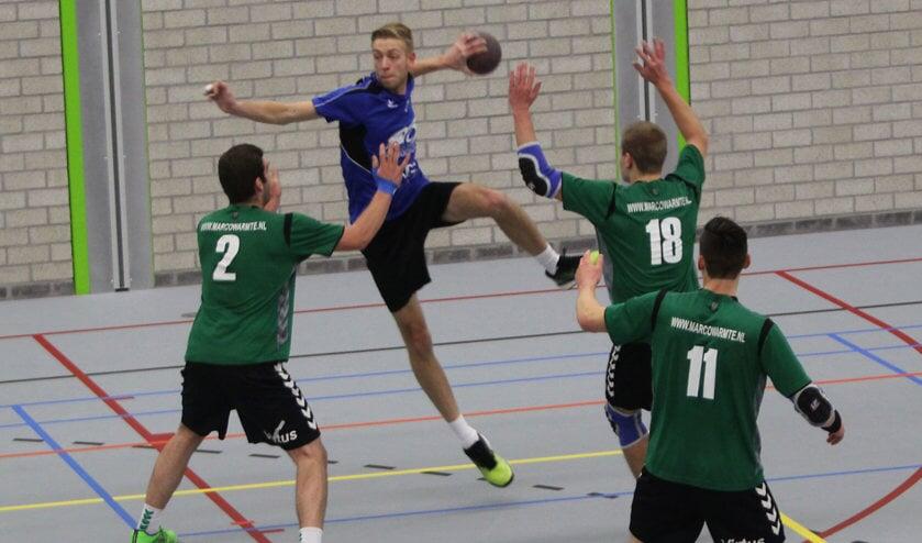 Wessel Knol was bij HVOS de topschutter tegen Helius. Foto Peter de Jong.
