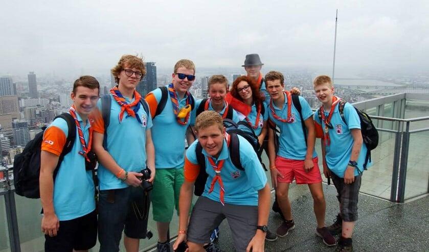 Helemaal rechts op de foto Gijs Puelinckx uit Spijkenisse. Foto: Scouting Nederland