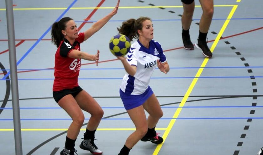 SC Olympia kreeg zaterdag een grote nederlaag aan haar broek. De ploeg verloor met ruime cijfers van koploper Nexus. Fotografie: Peter de Jong