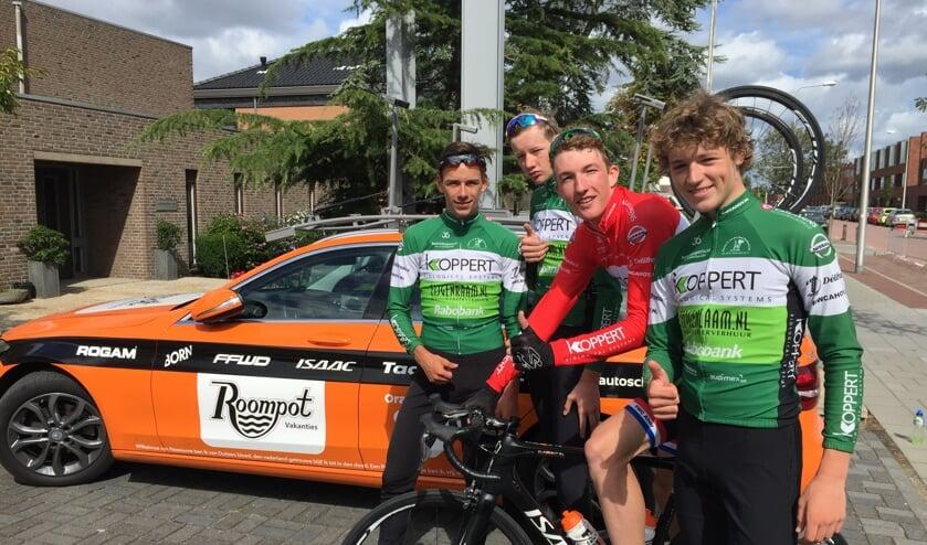 Vincent Hoppezak, Daan Hoole, Daan van Sintmaartensdijk en Maikel Zijlaard het sterke blok van RWC Ahoy'. Foto Nicky Zijlaard.