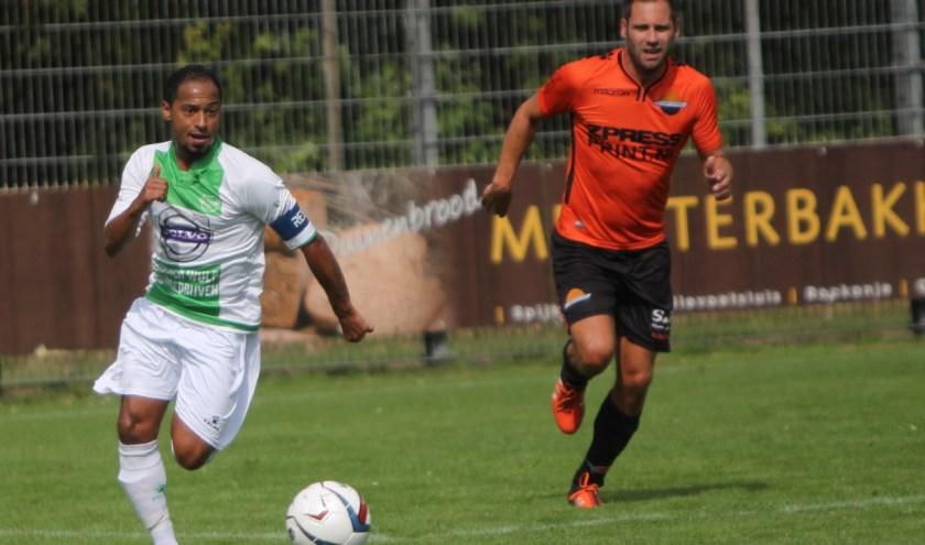 Aanvoerder Felino Jardim zag dat zijn ploeg Spijkenisse zaterdag opnieuw gelijk speelde. Fotografie: Peter de Jong