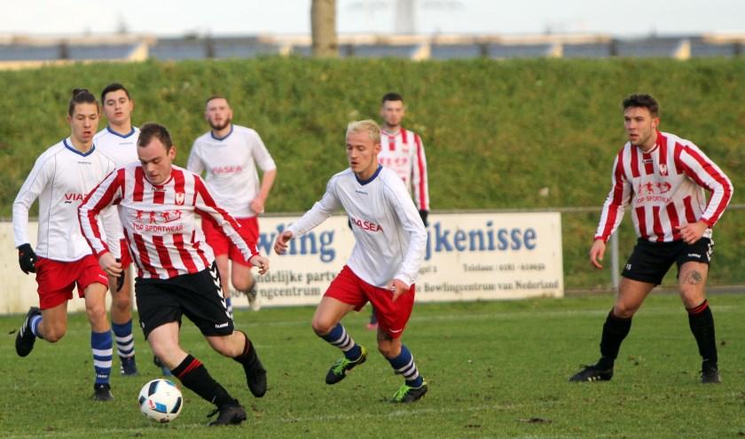 Hekelingen won zaterdag op Sportpark 't Spui met 4-2 van RDM.