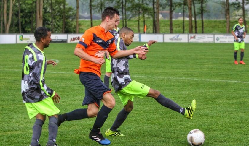 Simonshaven heeft zaterdag de voetbaljaargang afgesloten tegen SCO'63.