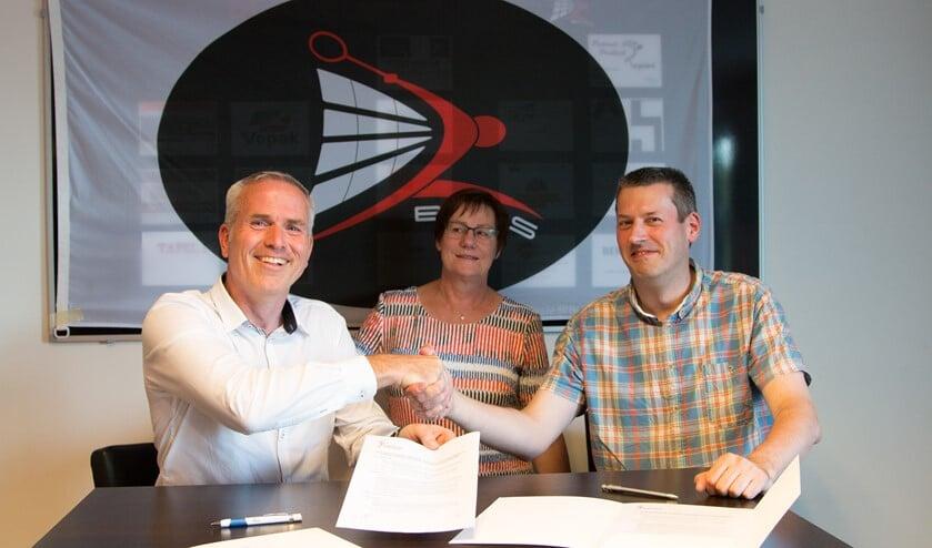 Ron Vollenga (Voorzitter BCRS), Joke Beukers (Voorzitter Toernooicommissie BCRS) en Gert-Jan van der Lee (Toernooizaken Badminton Nederland Regio ZuidWest).