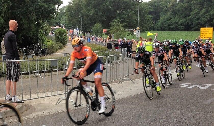 Chantal Blaak, in 's-Heerenberg op weg naar het kampioenschap van Nederland, maakte haar status waar met drie criteriumoverwinningen.