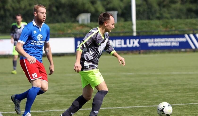 SCO '63 won door een 2-0 overwinning tegen Zinkwegse Boys het Dolf Stolk Toernooi. Aanjager is nieuwkomer Patrick van Dorp.