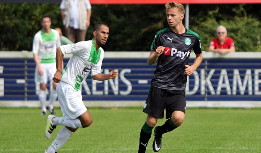Robbert de Vos was zaterdag met Jong FC Groningen even terug op het oude nest Spijkenisse.