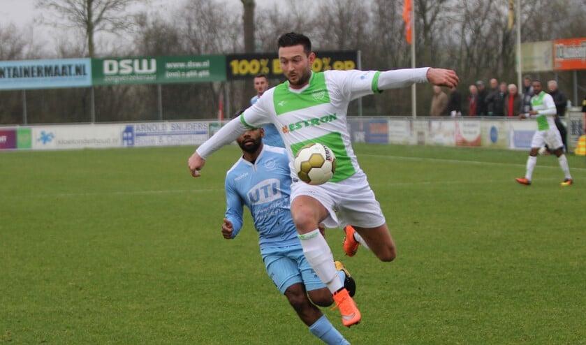 Spijkenisse kreeg voor rust volop kansen om te winnen van Capelle, het werd 2-2.
