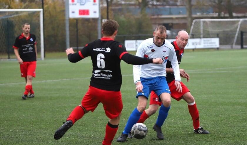 Mike Kortsmit zorgde zaterdag met twee treffers voor de winst in het duel met Den Bommel.