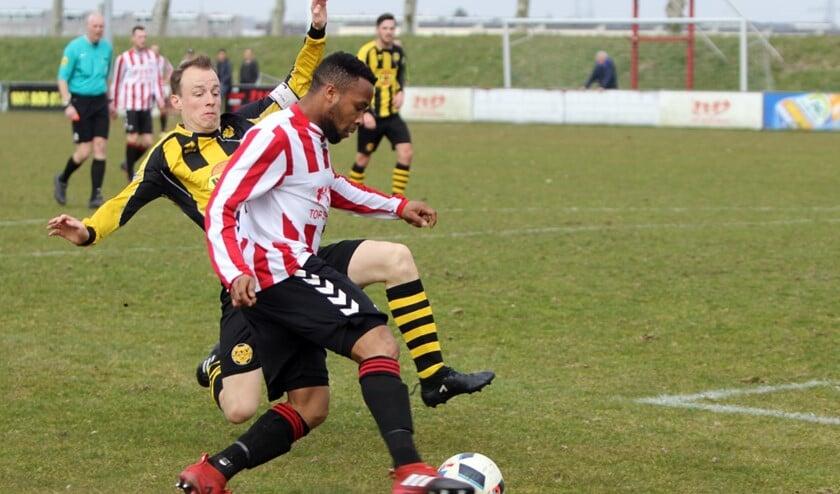 Hekelingen was niet oppermachtig zaterdag in het duel met Poortugaal en pakte een punt, 2-2.
