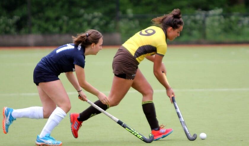 De dames van HV Spijkenisse wonnen zondag op sportpark Groenewoud van Prinsenbeek.