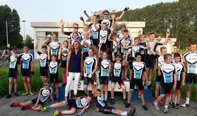 Wereldkampioene Chantal Blaak kwam bij haar club PRC Delta een kijkje nemen tijdens de Clubkampioenschappen.