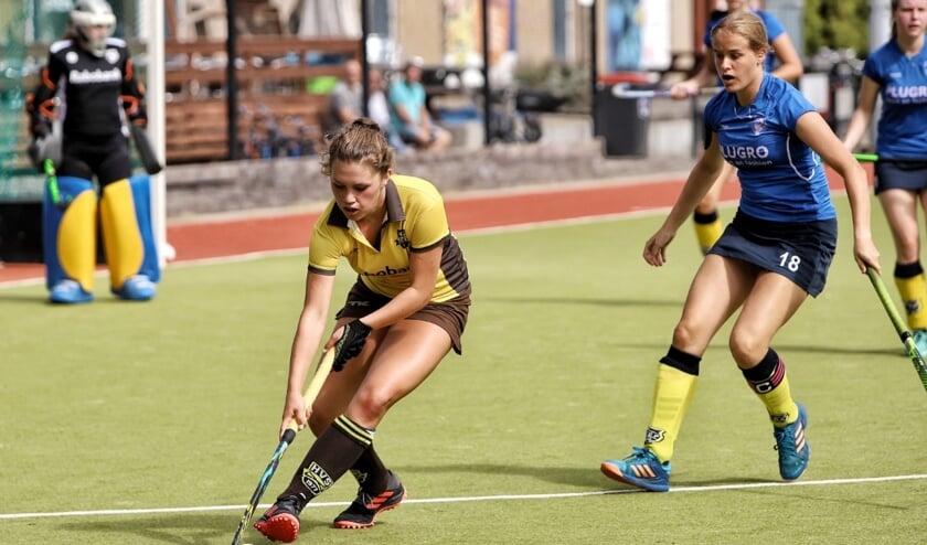 De dames van HV Spijkenisse hadden een uitstekend start van de competitie door de 8-0 zege op Prinsenbeek. Fotografie: Peter de Jong