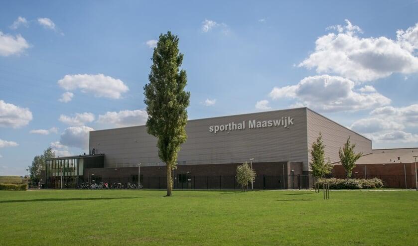 Het dak van de sporthal biedt plaats aan 210 zonnepanelen.