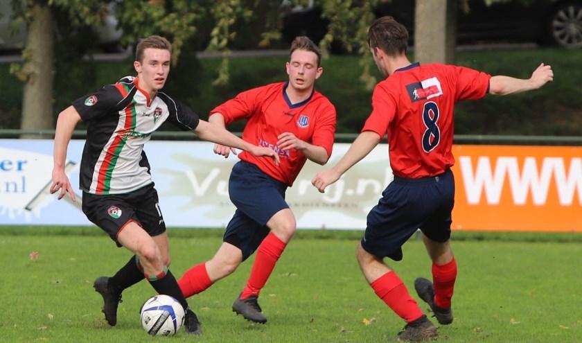Ruben Speelpenning was zaterdag met drie treffers lekker op dreef in de met 4-0 gewonnen ontmoeting met Vierpolders.