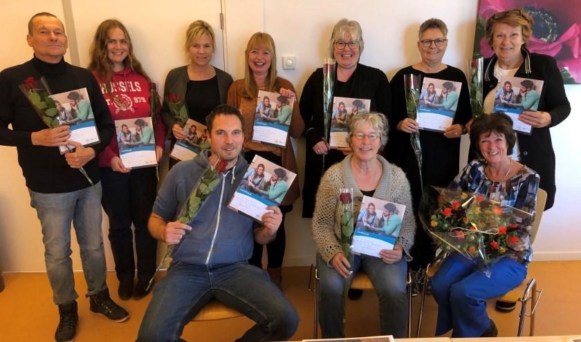 Dinsdag 29 oktober kregen de 9 cursisten die de Training Taalvrijwilliger hebben gevolgd hun certificaat uitgereikt.