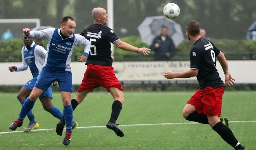 SCO'63 liet zaterdag op sportpark De Brug geen spaander heel van Abbenbroek en won met 5-0.