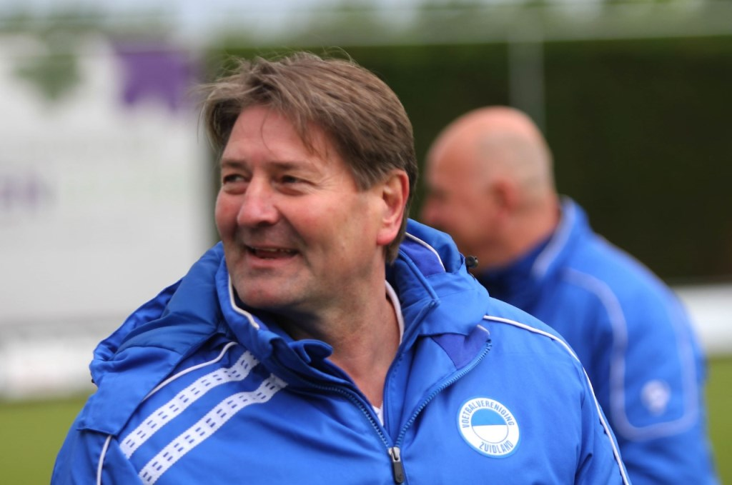 Aad Andriessen moet de kar trekken tot de nieuwe trainer bekend is. Foto: Peter de Jong © GrootNissewaard.nl