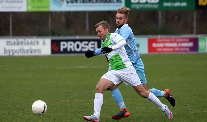 Spijkenisse kwam zaterdag op sportpark 't Slot niet tot winst in het duel met Capelle en moet nu nacompetitie spelen.