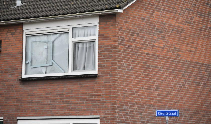Vandalen hebben tijdens de jaarwisseling huisgehouden in de Kievitstraat in Honselersdijk.