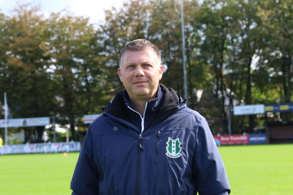 <p>OVV-trainer Marcel Langeveld pleit ervoor om te hervatten als alle clubs evenveel duels hebben gespeeld. Archieffoto: Wil van Balen.&nbsp;</p>  © BrielsNieuwsland.nl