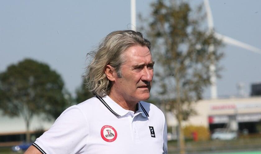 <p>Brielle-trainer Gijs Zwaan wil zijn selectie zo fit mogelijk door de voetballoze periode heenloodsen. Archieffoto: Wil van Balen.</p>