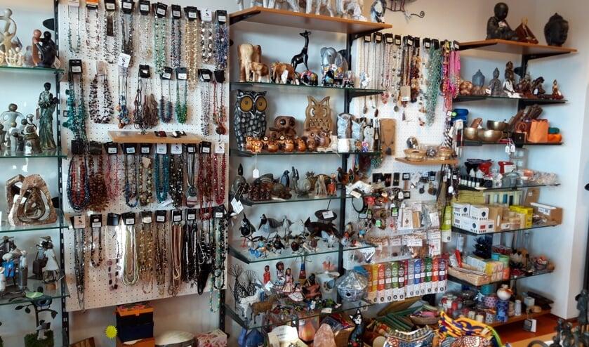 <p>De Wereldwinkel heeft ook een grote diversiteit aan kunstzinnige derdewereld producten.</p>