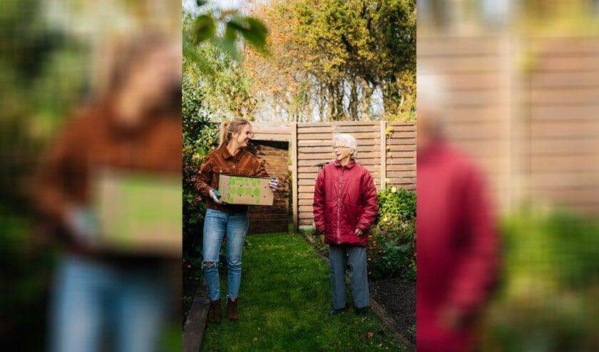 <p>Bloombol wil met de actie aandacht vragen voor eenzame ouderen en hen tuingeluk laten ervaren.</p>
