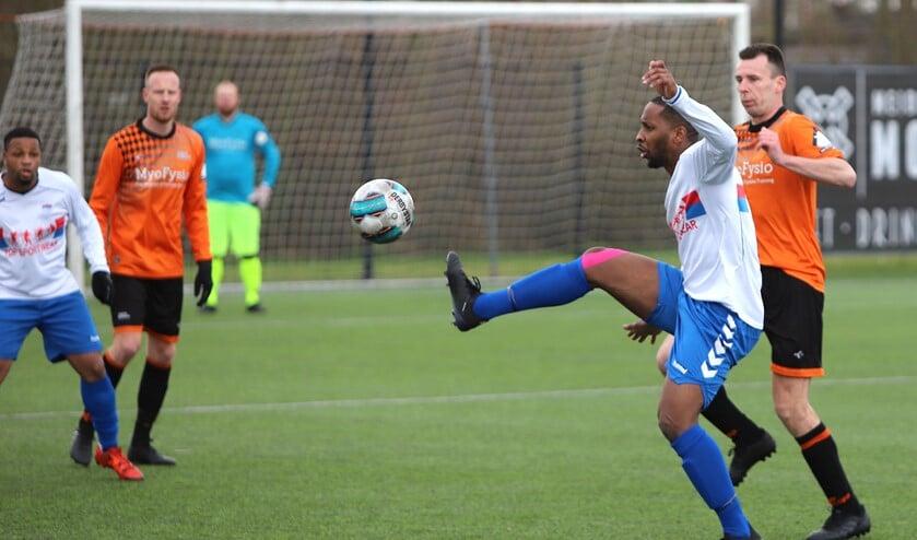 SC Botlek kwam zaterdag bij HBSS niet verder dan 2-2. Daar heeft de club niet veel aan.