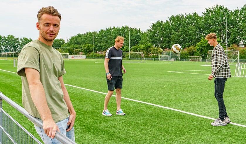 <p>Dit jaar organiseren Robbert, Tom en Sven een driedaags voetbalkamp.&nbsp;</p>