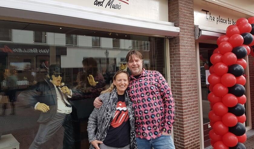 Chris en Jacqueline openden afgelopen vrijdag de deuren van hun nieuwe winkel, 'Memories and Music'