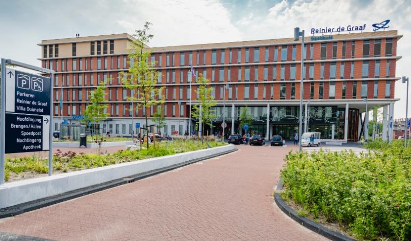 De coronahuisartsenpost is op 14 mei terugverhuisd van revalidatiecentrum Basalt naar het Reinier de Graaf ziekenhuis.