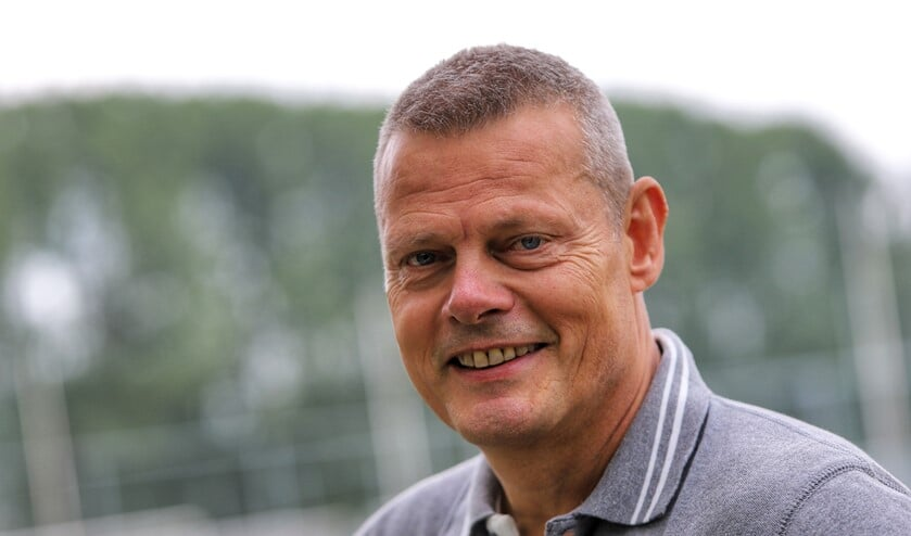 Peter Hoek kan komend seizoen 21 nieuwe gezichten verwelkomen als trainer van Simonshaven.