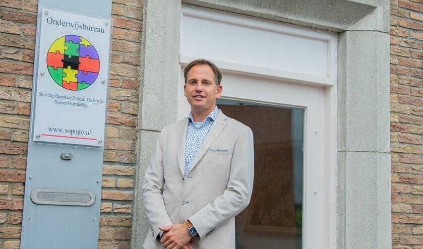 Sjoerd Sanderse is sinds 1 mei de nieuwe directeur-bestuurder van Stichting Openbaar Primair Onderwijs Goeree-Overflakkee.  Foto: Sam Fish