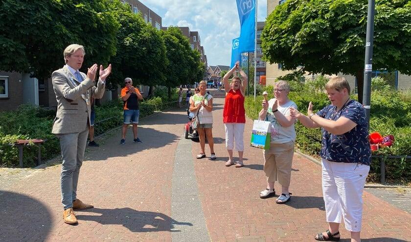 Aan het einde van het bezoek was er een applaus voor de vrijwilligers.