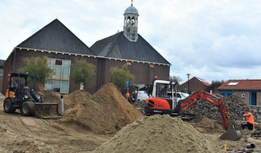 De deuren van de Hervormde Kerk Ter Heijde, gevestigd aan het Prins Willem III-Plein, staan ook dit jaar tijdens OMD open. Afgelopen week is de herinrichting van het kerkplein van start gegaan. Foto: (WB)