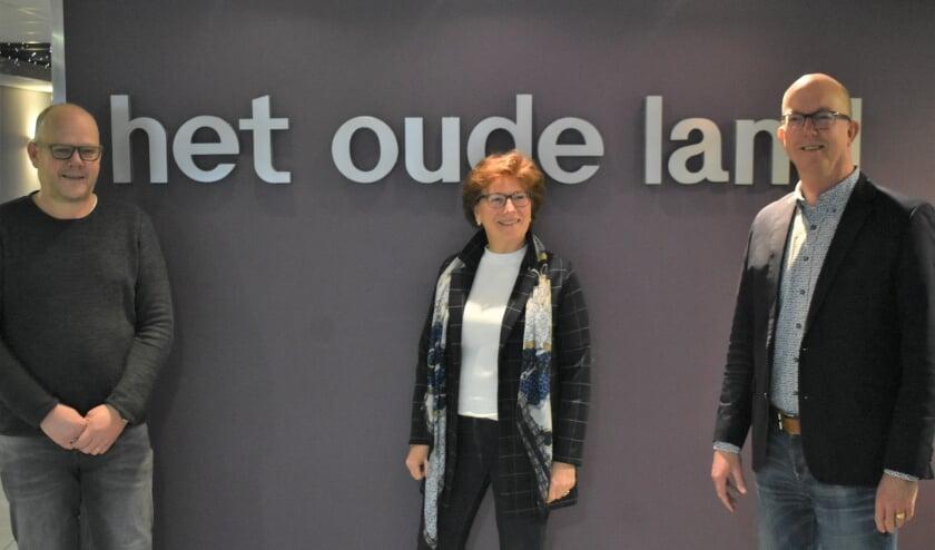<p>Vlnr: Bart van Zijderveld (technisch bestuurslid), Marga de Goeij (algemeen bestuurslid) en Arnold Boekestein (voorzitter). Foto: (WB)</p>
