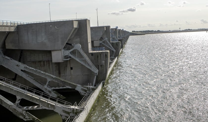 <p>Hoeveel de zeespiegel zal stijgen, is onzeker</p>