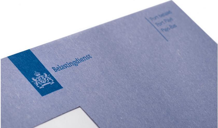 <p>Bij circa 8,3 miljoen mensen viel de blauwe envelop al op de mat </p>