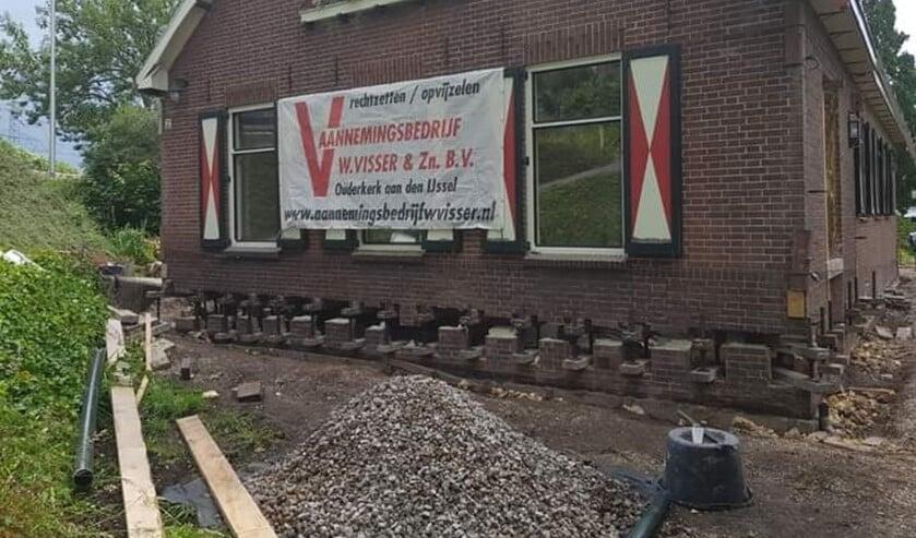 <p>Op 19 juni wordt brouwerij Buutegeweun opgevijzeld. Wie helpt?</p>