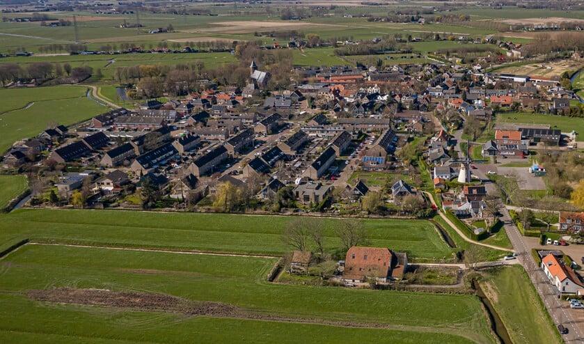 <p>Rechtsboven op de foto ligt het Van Hamburgterrein.</p>